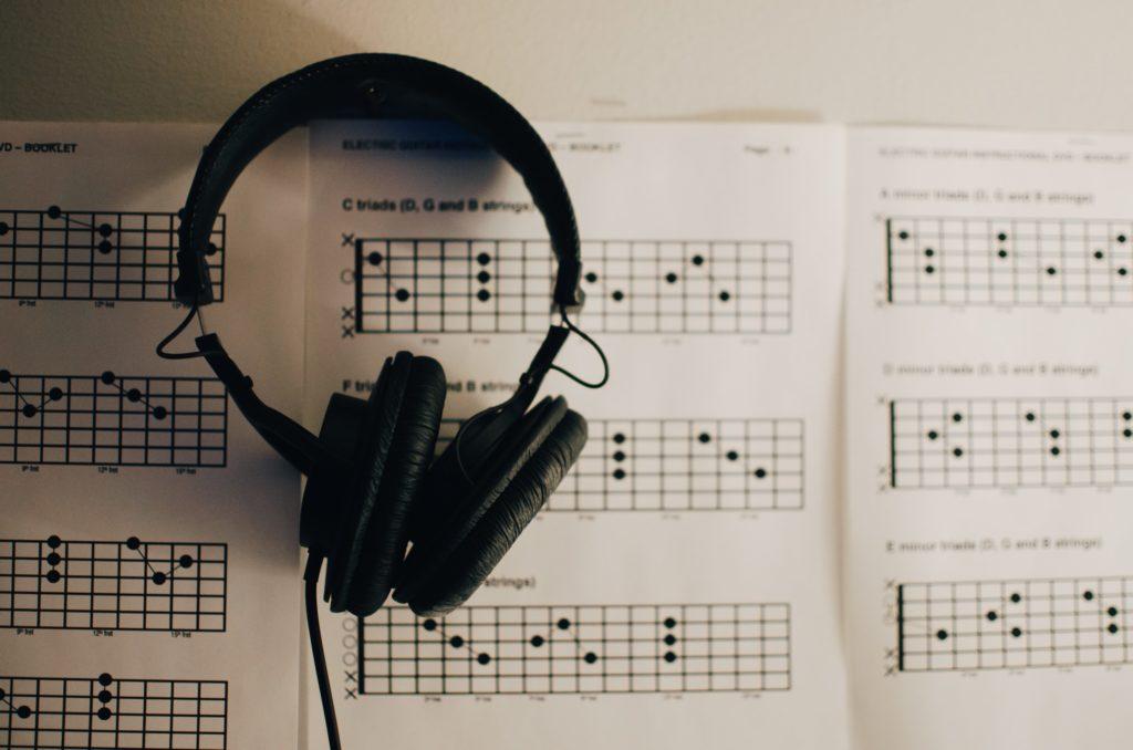 ギター初心者が覚えるべきコード進行3選